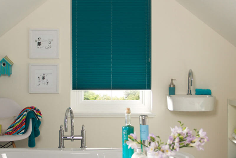 pleated blinds turquoise 2